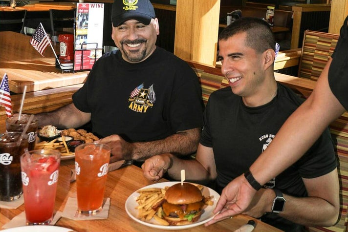 Applebee's Veterans Day free meals